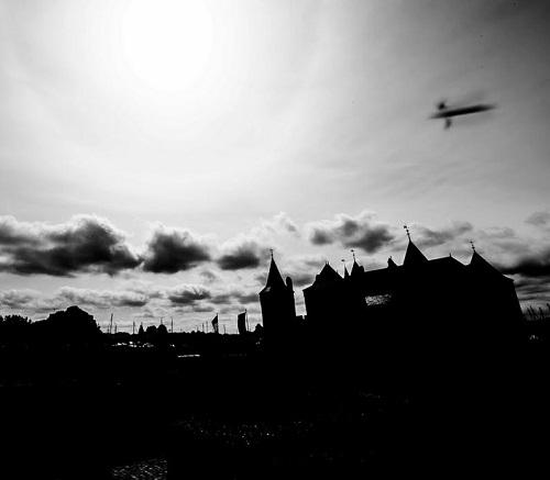 castle_ufo